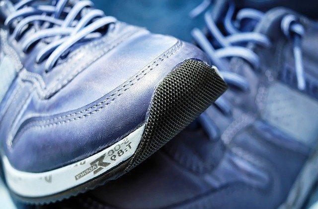 Tênis por menos de R$99? Veja as ofertas da Netshoes em calçados Adidas e Olympikus